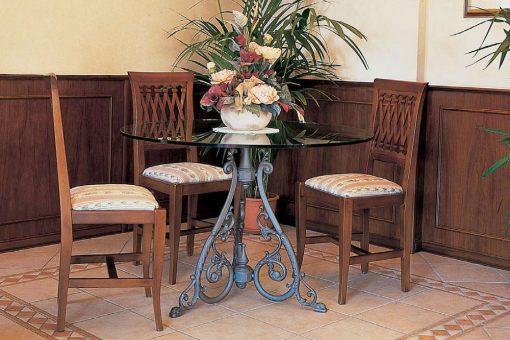 Braavos single table base